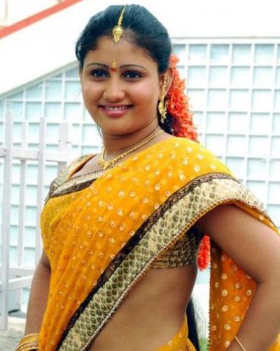 Young Mallu Actress Amrutha Valli Hot Saree Photoshoot