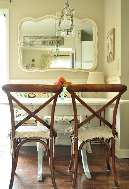 Great vintage modern dining nook