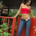 Andrea Rincon, Selena Spice Galeria 21 : Jean Azul y Top Rojo Foto 40