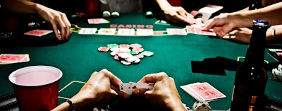 Perhitungan Peluang Kartu Yang Akan Keluar OUTS Dalam Permainan Poker