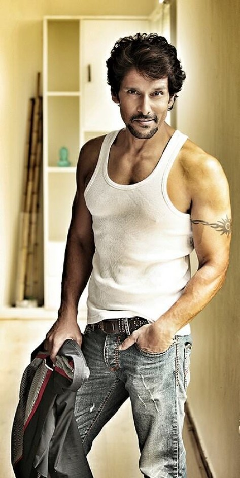 Vikram biography wiki biodata age height weight body vikram height weight body measurements altavistaventures Image collections