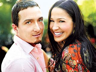 Foto de Jennifer Peña con su pareja