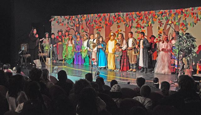 """Μάγεψε το """"Όνειρο Θερινής Nυκτός"""" από τα παιδιά της θεατρικής ομάδας του 5ου Δημοτικού Σχολείου Ναυπλίου"""