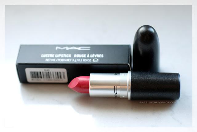 Rozczarowująco nieukochana: szminka M・A・C w odcieniuLustering