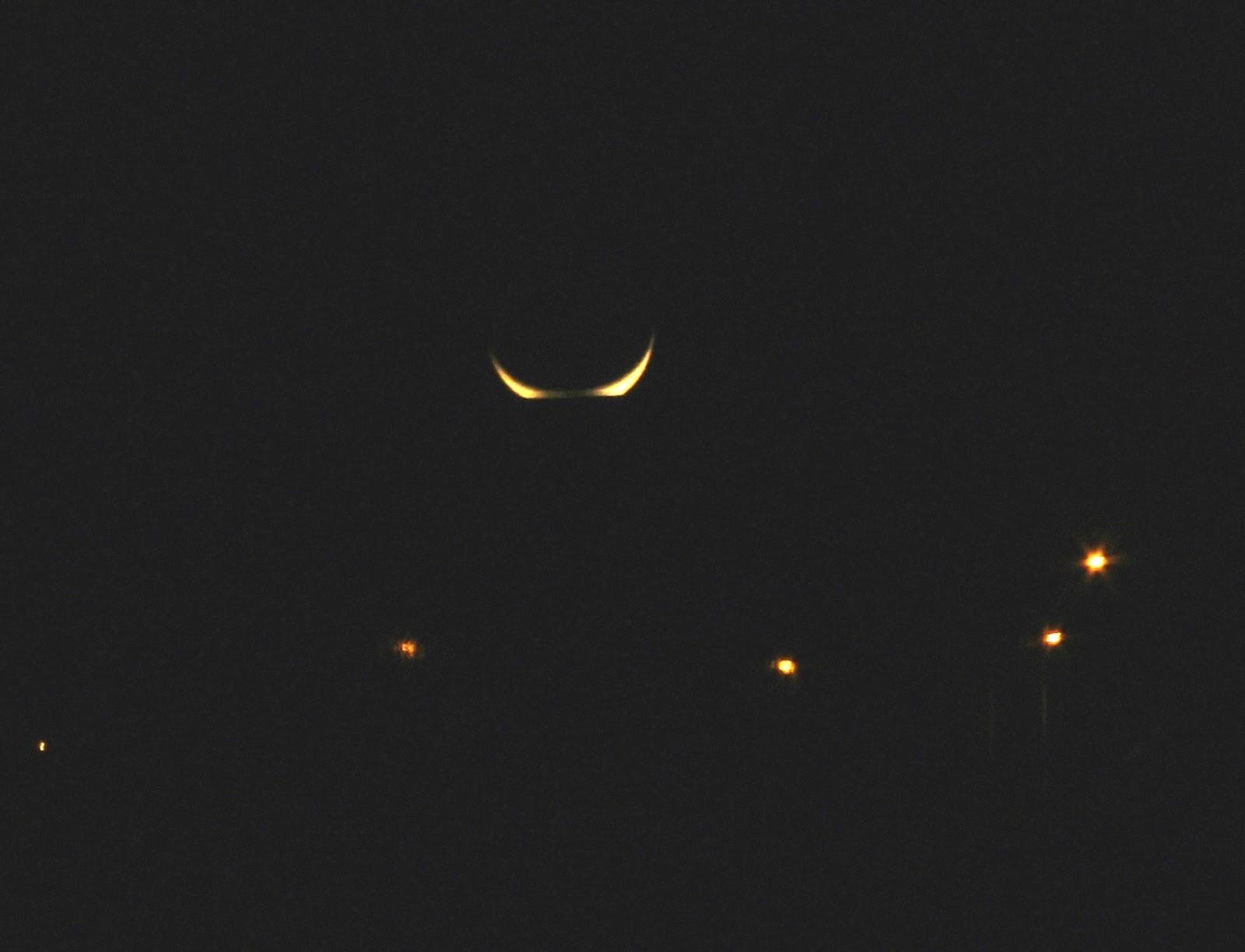 Desde el tercer planeta la luna se tumba Estamos en luna menguante