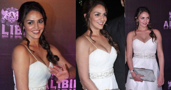 Sridevi Vijayakumar Cleavage: Esha Deol Latest Hot Cleavage Show Photos At Sridevi