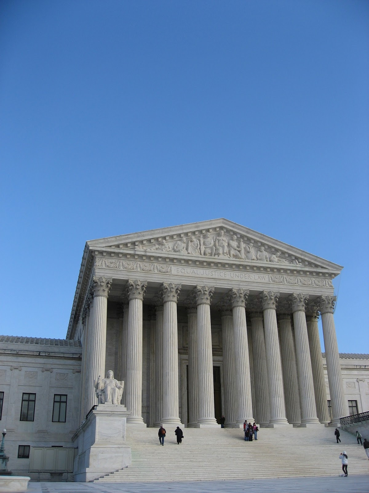 Picture of U.S supreme court.