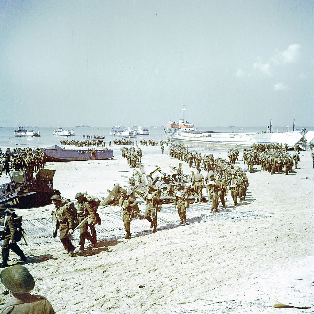 26 Rare Color Photos of D-Day Show a New View of Historic ...