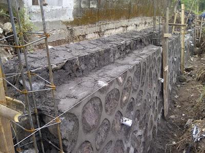 batu pondasi rumah