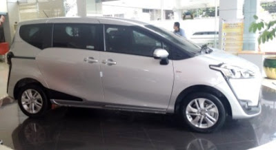 Harga Spesifikasi Toyota Sienta