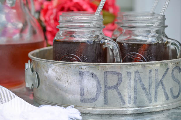 Need a unique way to serve up some drinks to your guests this summer?  This tutorial shows how to make a metal tray from a springform pan!  |  www.andersonandgrant.com