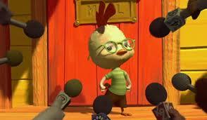 Chicken Little with microphones Chicken Little 2005 animatedfilmreviews.filminspector.com