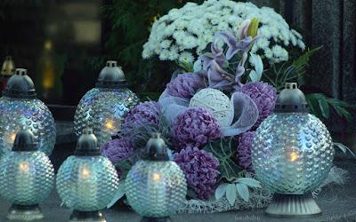 http://fotobabij.blogspot.com/2016/02/ciekawa-dekoracja-nagrobna-na.html