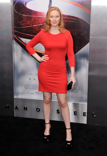 Amy Adams or Molly Quinn at the Man of Steel premiere ... | 438 x 640 jpeg 64kB