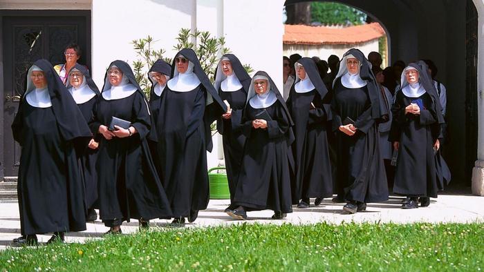 Die Welt: vienuolės misionierės iš Afrikos grįžta nėščios