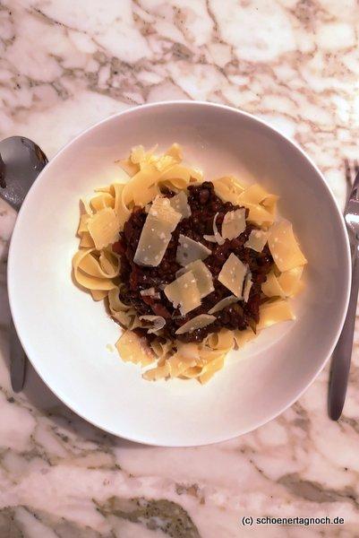 Pasta mit Linsen-Bolognese