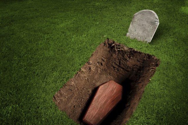 Έθαψαν ζωντανό 41χρονο στη Ρωσία γιατί χρωστούσε - Τηλεφώνησε στον αδερφό του από τον τάφο