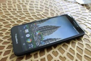 BlackBerry Aurora front screen view