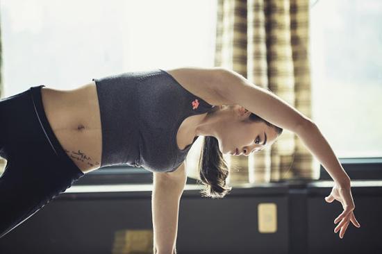 Foto dan Video Hot Lee Yuju, Cewek Seksi Master Yoga Yang Jadi Viral