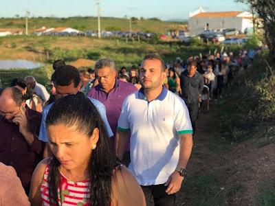 VEREADOR MAX DE ZÉ DE TOINHO PARTICIPOU DE PROCISSÃO EM LAGOA DA MATA.