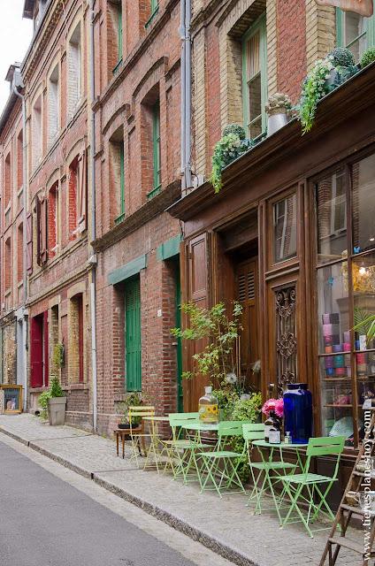 Honfleur ciudad bonita de Normandia viaje Francia coche