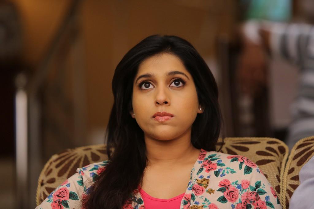 South Indian TV Anchor Rashmi Gautam Hot Oily Face Close Up Funny Photos
