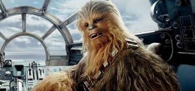 Star Wars: Joonas Suotamo quer que Jason Momoa se junte à família Wookiee