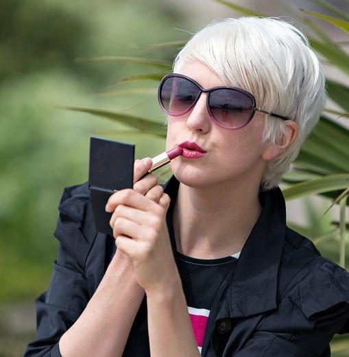 Tips Memakai Lipstik
