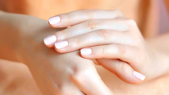 كيفية ازالة تجاعيد اليدين