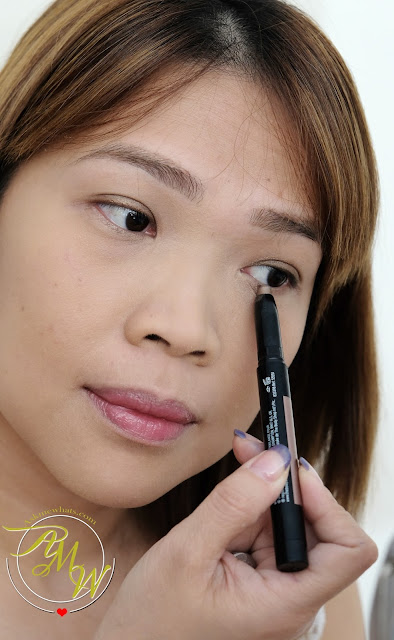 a photo of The Body Shop Eye Colour Stick in Cyprus Bronze review.