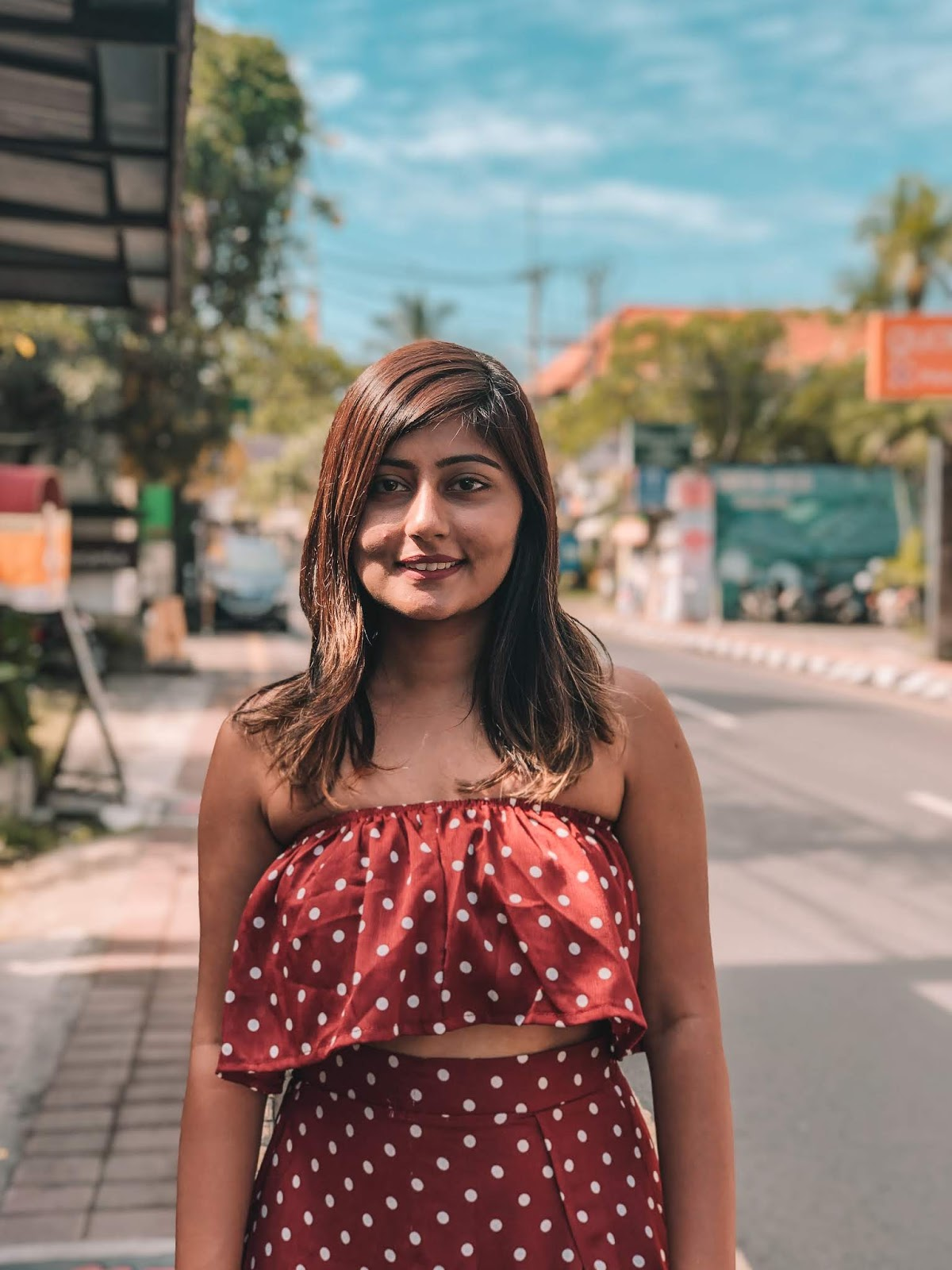 Kritika Goel is an Indian Youtuber and vlogger Top 5 travel youtuber in india by bgs raw