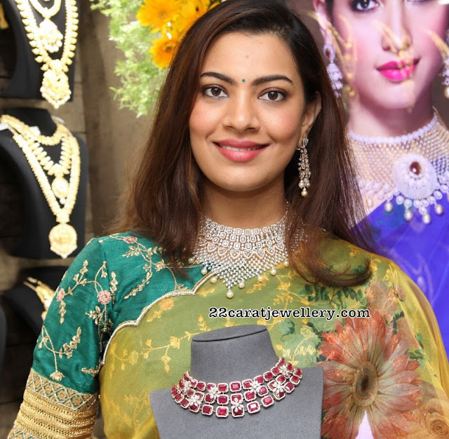 Geetha Madhuri Hevay Diamond Choker