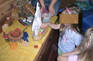 Monatsfeier Juli, Waldorfkindergarten, Puppenspiel, Zwergentheater, Für Kinder ab 2 Jahren, U-3-Betreuung