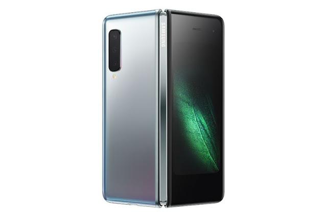 Samsung_Galaxy_Fold_1