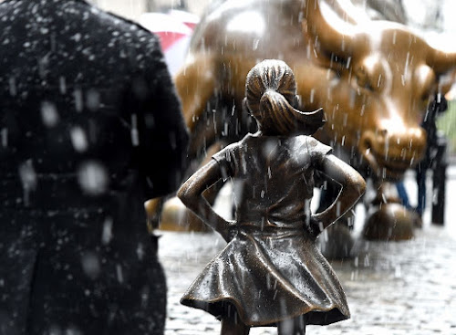 Wall Street's 'Fearless Girl' statue to stay until 2018