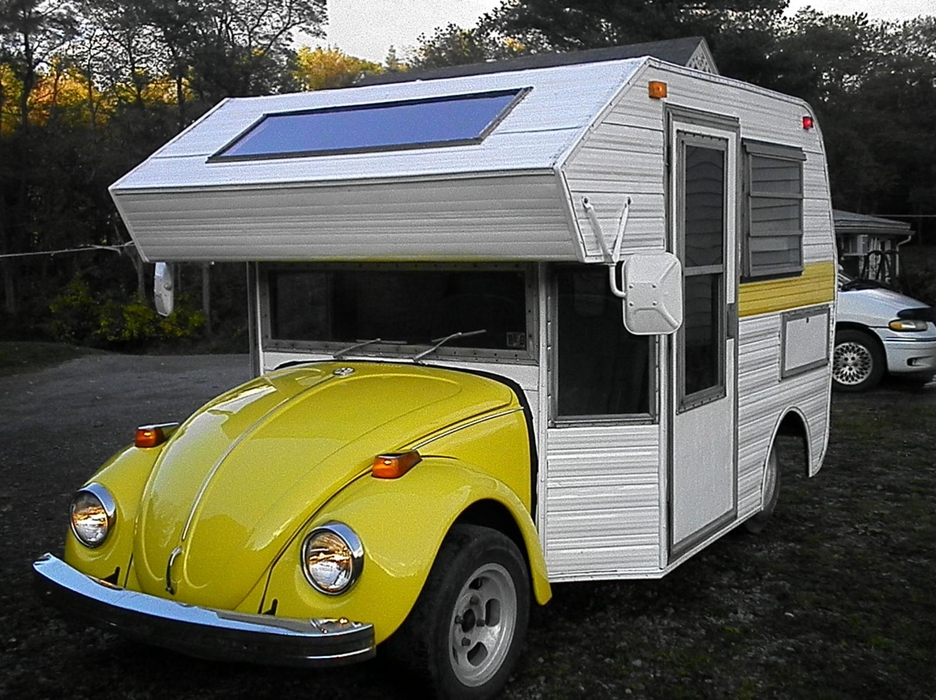 02-Tiny-Home-with-the-1970s-Volkswagen-Beetles-Bug-Campers-www-designstack-co