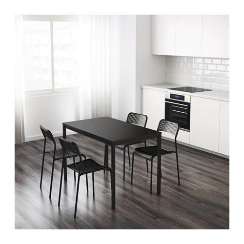 Tapis Gris Avec Des Rayures En Blanc Ikea 25 Euros Aptb002