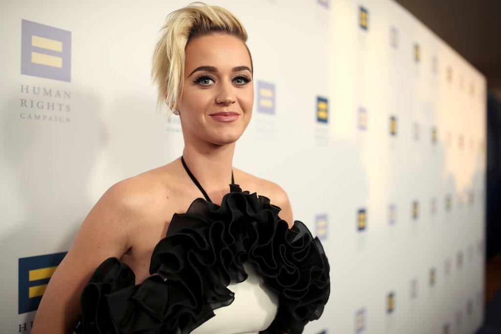 Katy Perry hace aparición especial en 'Keeping Up With The Kardashians'