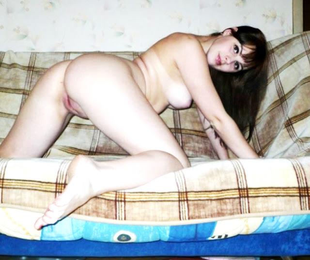 Девушки сзади на коленях голые раком WWW.EROTICAXXX.RU фото эротика (18+)