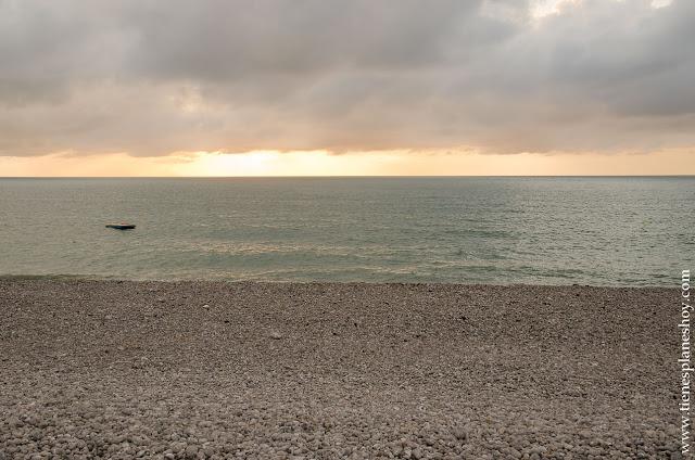 Fécamp playa atardecer Normadia viaje turismo