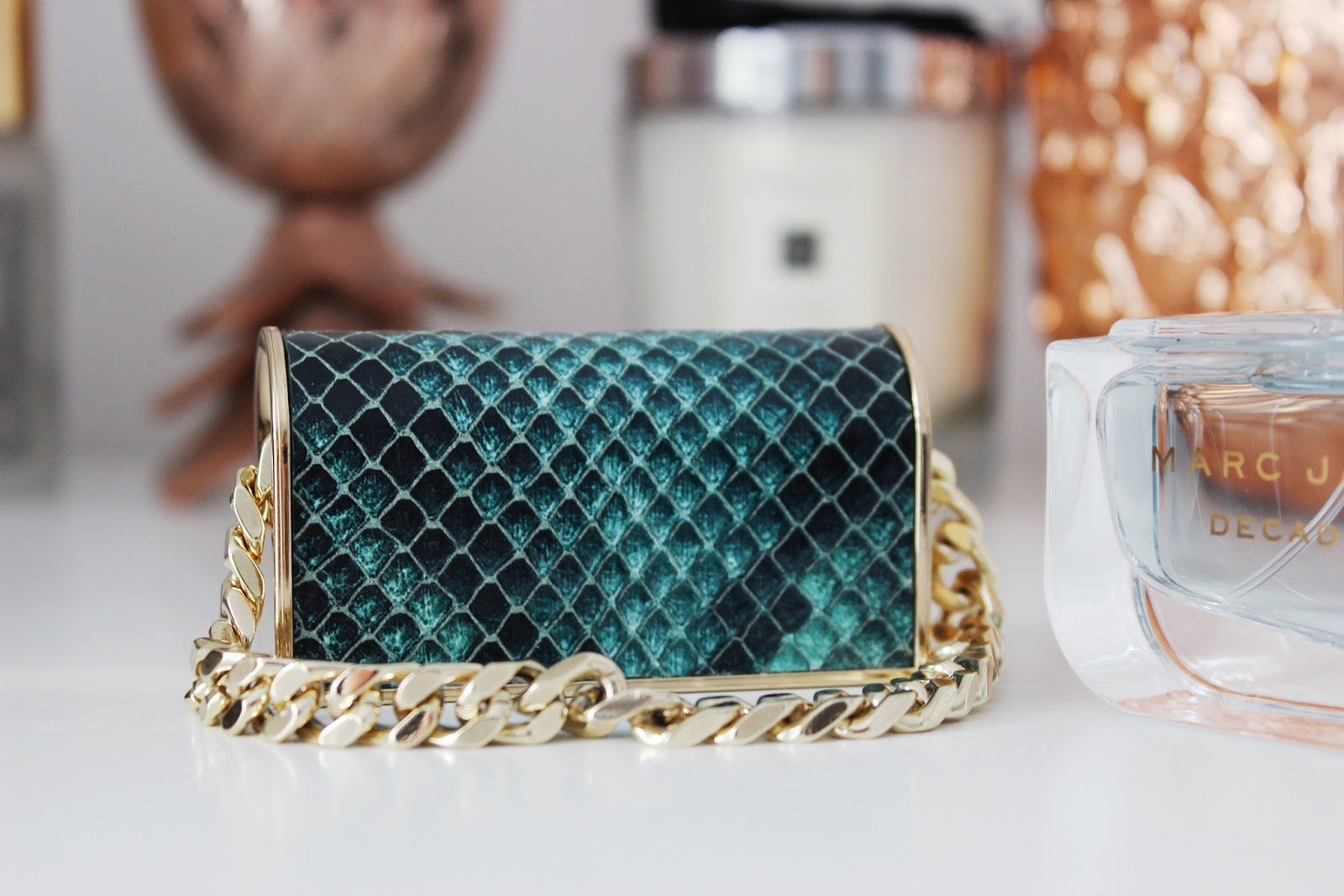 Marc Jacobs Divine Decadence fragrance review