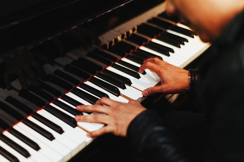 อาชีพอิสระที่น่าสนใจ ครูสอนดนตรี