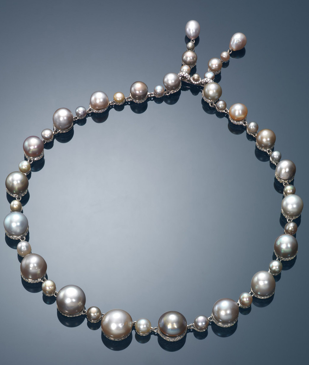 Necklace With A Pearl: Jewelry News Network: 'Pigeon's Blood' Ruby Necklace Leads