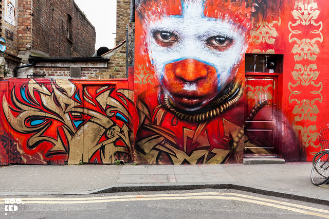 Street Artist Dale Grimshaw mural on Hanbury Street, London. Photo ©Mark Rigney / Hookedblog