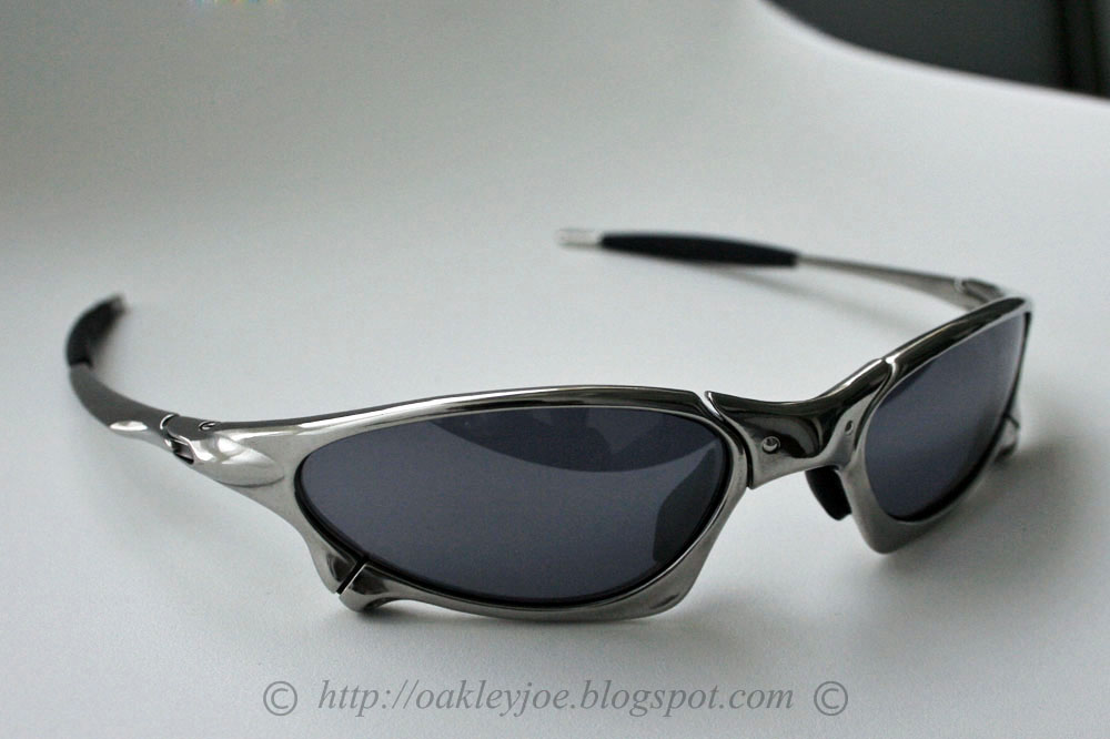 3ce210c136e Brand new original Oakley ruby iridium lens with manufacturing defect  the  left lens in the photo are cut so small that it pops out when assembled and  ...