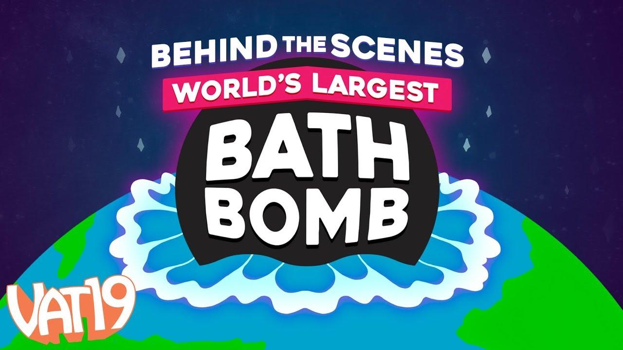 Giant Bath Bomb | Die weltgrößte Badekugel wurde in einem Pool versenkt