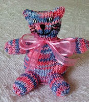 http://www.ravelry.com/patterns/library/swapsie-cat