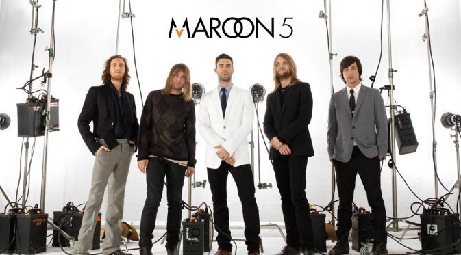 Terjemahan Lirik Lagu Help Me Out ~ Maroon 5 feat. Julia Michaels