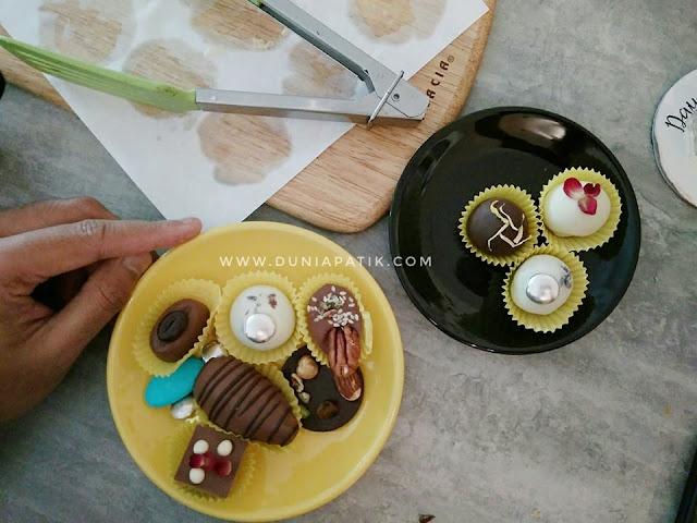 COKLAT & BAKLAVA DARI LAVAND & DAY DREAMERS CAFE