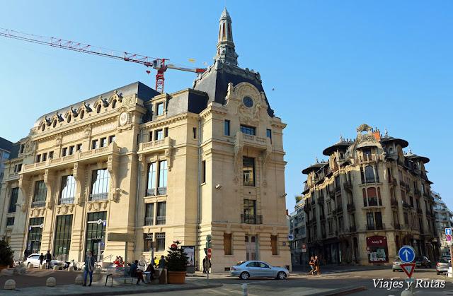 Place Grangier, edificios de Louis Perreau en Dijon